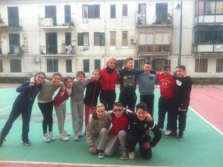 Chiara D'Amico con i bambini della Triathlon School